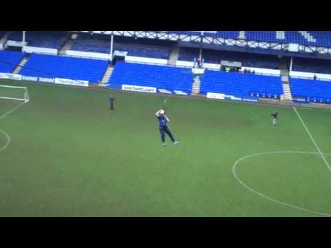 Video: Duncan Ferguson's Zip Line challenge