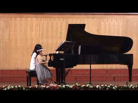 Nhật ký của mẹ, piano Minh Anh