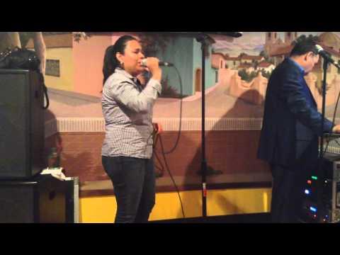 Rossy Cantando Jenni Rivera- No Llega El Olvido