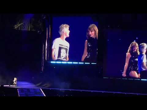 Video Taylor Swift & Troye Sivan - My My My! (Live) [Full] download in MP3, 3GP, MP4, WEBM, AVI, FLV January 2017