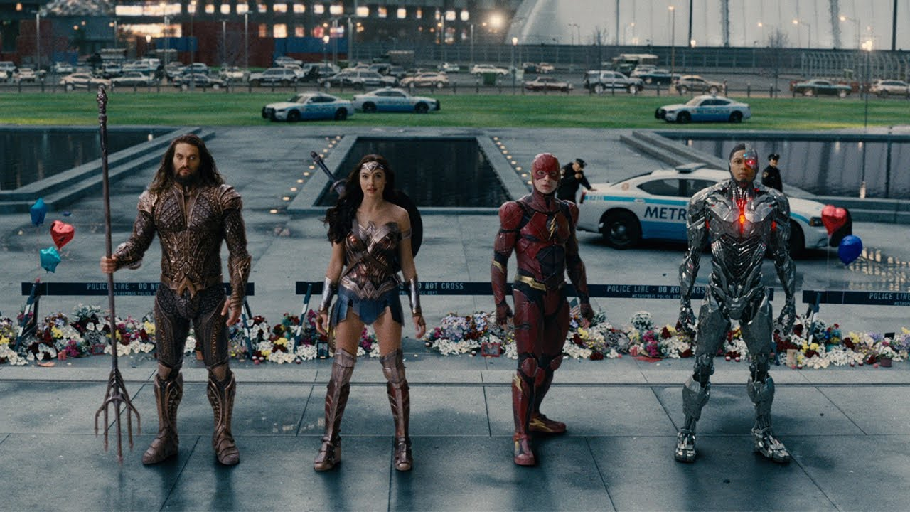 Something is Coming. Ben Affleck unites Super Heroes in 'Justice League' (Comic-Con Trailer) with All-Star Ensemble Cast