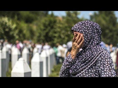 Ολλανδία: Η οργή των συγγενών των θυμάτων της Σρεμπρένιτσα