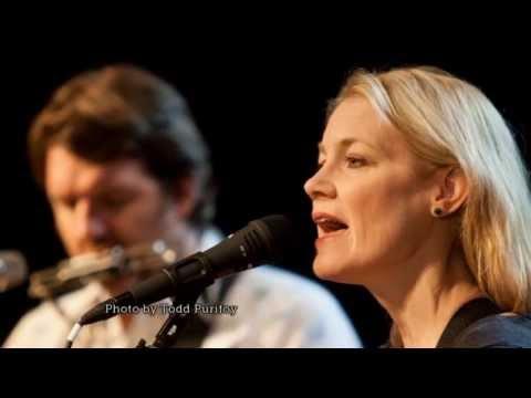 "Kelly Willis and Bruce Robison Perform ""Lifeline"" on The Texas Music Scene"