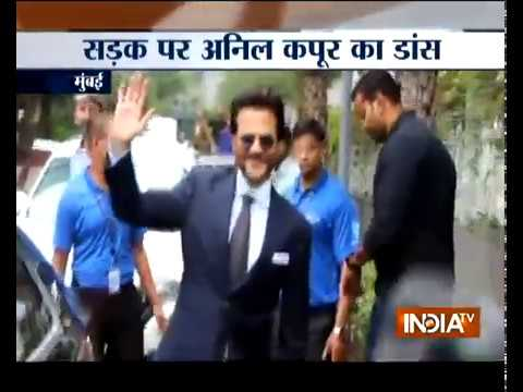 Fanney Khan actor Anil Kapoor dances on the road to promote his film