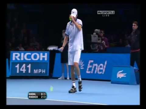 Andy Roddick smashes rocket serves at Nadal 2010 (3 ACES IN A ROW!!!)