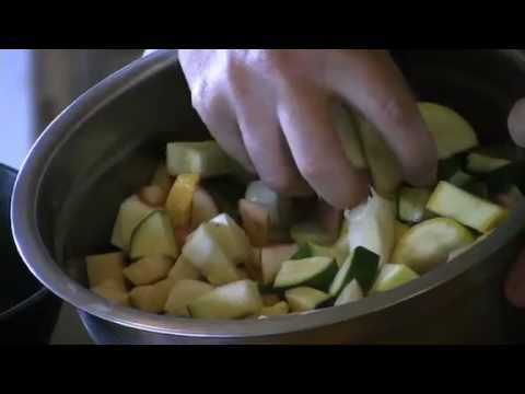 Edible East Tennessee: Val Colvin Prepares Fried Squash Medley
