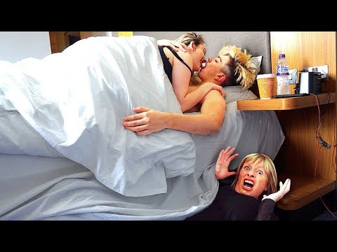 I Spent the Night in Morgz Bedroom & He had No Idea... (24 Hour Challenge) (видео)