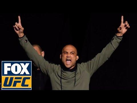 Full Weigh-in: Yair Rodriguez vs. B.J. Penn | UFC FIGHT NIGHT FULL WEIGH-IN (видео)