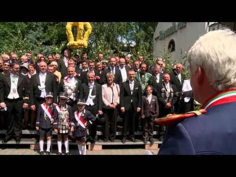 """Kaarster Schützenfest 2015 """"Große Königsparade vor dem Schützenkönig S.M. Matthias II."""