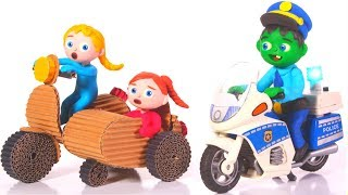 Baby Police Chases The Little Girls ❤ Cartoons For Kids