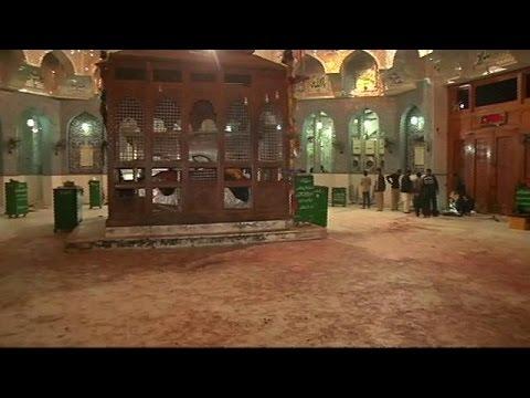 Πακιστάν: βομβιστική επίθεση σε τέμενος με δεκάδες νεκρούς
