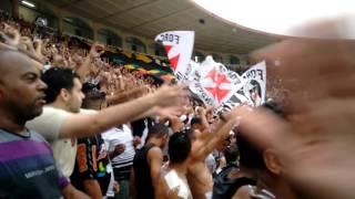 Entrada em Campo Vasco x Santos bandeirão da rasta