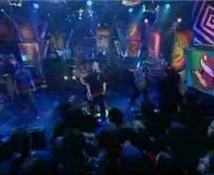 Tekst piosenki The Offspring - Million Miles Away po polsku
