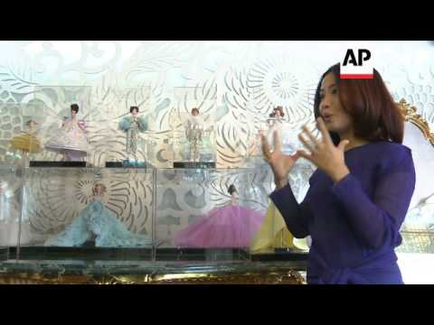 A sneak peak at designer Guo Pei's latest collection ahead of her next catwalk show видео