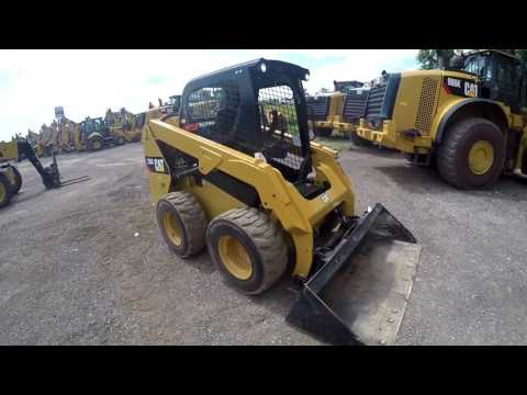 CATERPILLAR CHARGEURS COMPACTS RIGIDES 236D equipment video gbSJxKHiVQI