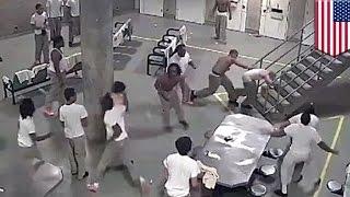 Video Perkelahian di penjara tertangkap kamera - Tomonews MP3, 3GP, MP4, WEBM, AVI, FLV Agustus 2018
