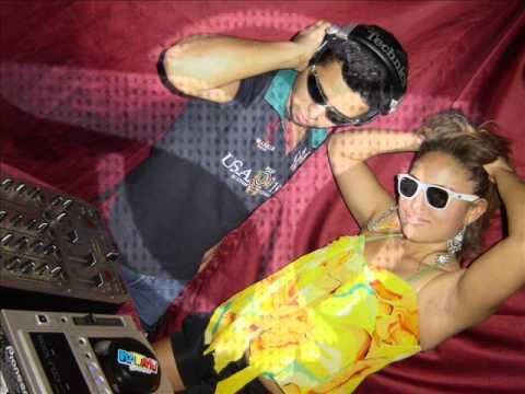 DJ MARKHY AUREL AO VIVO - BAILE DO HAWAY 2010 EM PLANURA-MG [ 09/10/2010].wmv
