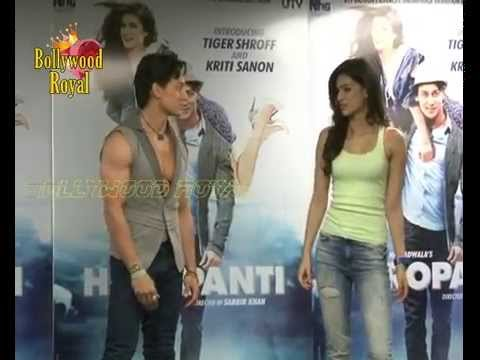 Tiger shroff celebrates World Dance Day with 20 female fans  3