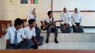 Bulan Batu Hiu-cover by Doel Sumbang