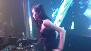 DJ Linh Linh On The Mix - Tại MDM Music Club Part 1 (09/01/2014)