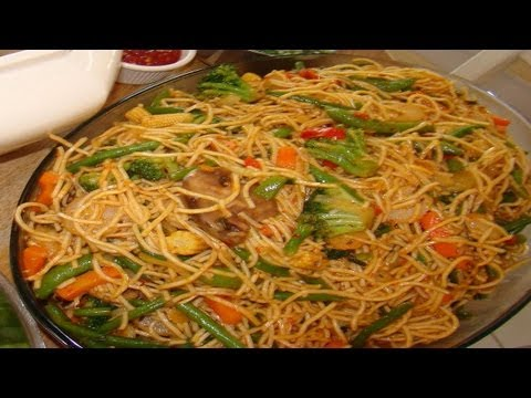 Hakka Noodles Video Recipe - Vegetable Chow Mein-  Indo-chinese
