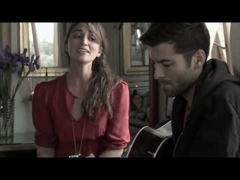 Sara Bareilles – Sittin on the Dock of the Bay – HD