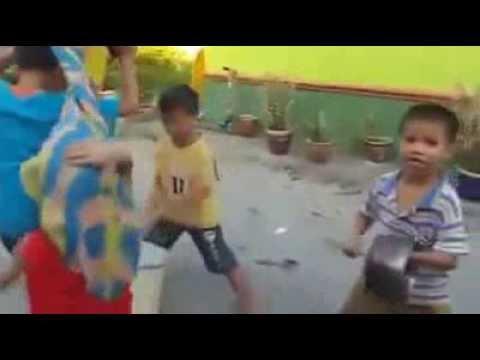 Ban nhạc múa lân trẻ trây huyền thoại :))