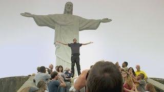 Video Dynamo magician floating/flying in Rio de Janeiro (MUST SEE!!!) MP3, 3GP, MP4, WEBM, AVI, FLV Agustus 2018