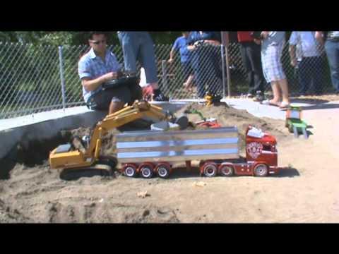 RC - Modelltruck, Hochbetrieb auf  Vereinsanlage der Mini Trucker Lyss