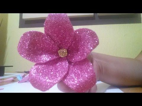 uno stupendo fiore realizzato in foamy