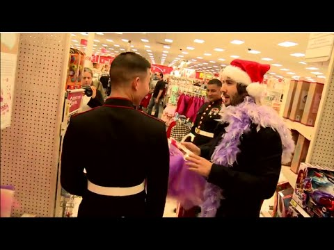 Josh Groban - 2014 Toys For Tots Shopping Trip [EXTRAS]