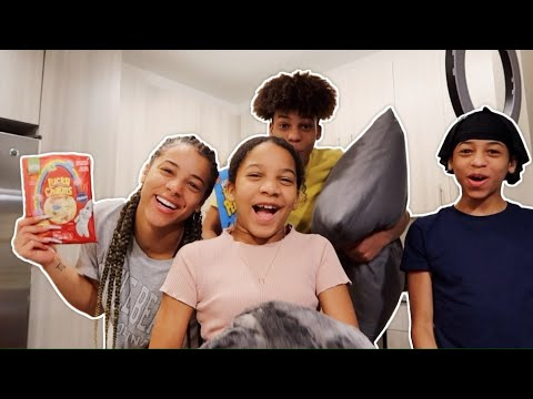 Vlog: Having A Sleepover With ALL Of My Siblings! | Azlia Williams