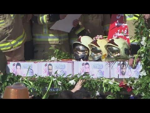 Ιράν: Θρήνος στις κηδείες των 16 πυροσβεστών