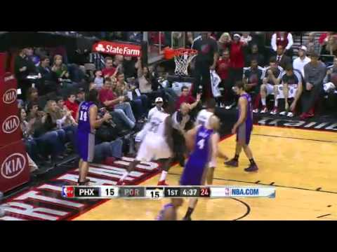 JJ Hickson cleans the glass against Phoenix Suns