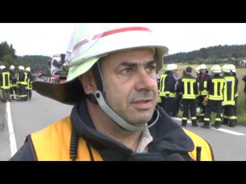 Bottendorf: Eingeklemmt, schwer verletzt, Helikopter