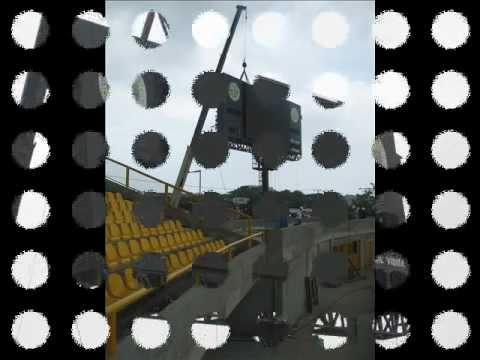 Instalación de la pantalla gigante del estadio Olímpico Jaime Morón León