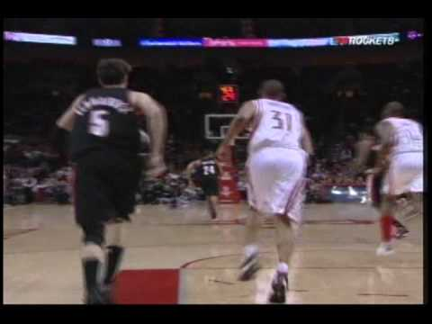 Trevor Ariza steals, then finishes the break with an alleyoop