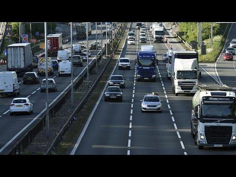 «Έξυπνοι» αλλά και επικίνδυνοι αυτοκινητόδρομοι στη Βρετανία – Καταργούνται οι ΛΕΑ…