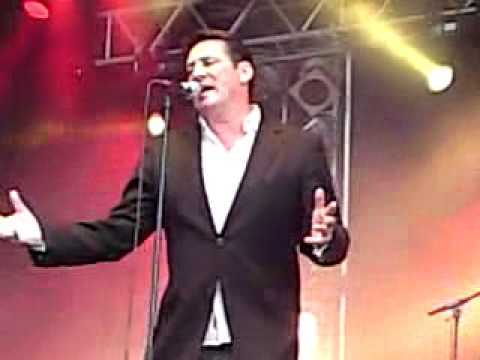 Tony Hadley singing With Or Without You