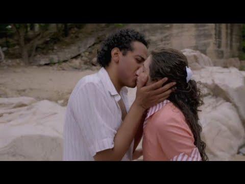 Diomedes le roba un par de besos a Lucía | Diomedes, el Cacique de La Junta