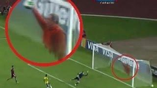 جن حقيقي في لقطات حصرية يظهر في احدى ملاعب كرة القدم..!!