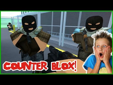 Counter Blox Roblox - Helping The OTHER TEAM!