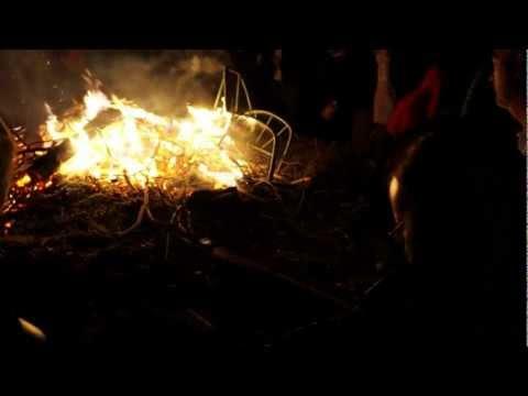 Traonach jigs by fire
