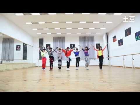 เพลงจีน - 1ในศิลปินทางจีนที่พึ้งเปิดตัวเพลงนี้ไม่นาน แถมทั้งแต่งเอง ร้องเอง สร้างท่าเต้นเองอีก...