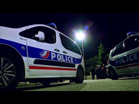 Γαλλία: «Τρομοκρατική ενέργεια» η δολοφονία αστυνομικού δήλωσε ο Ολάντ