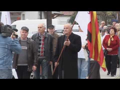 Élőlánccal tiltakoztak a dorogiak kórházuk államosítása ellen