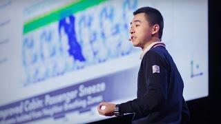 فيديو | فتى يحل مشكلة من أكبر مشاكل الطيران في العالم