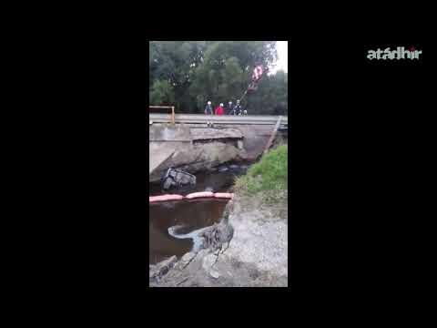 Kiemelték a 68-as út Segesd és Böhönye közötti szakaszán a leszakadt híd alá szorult autót