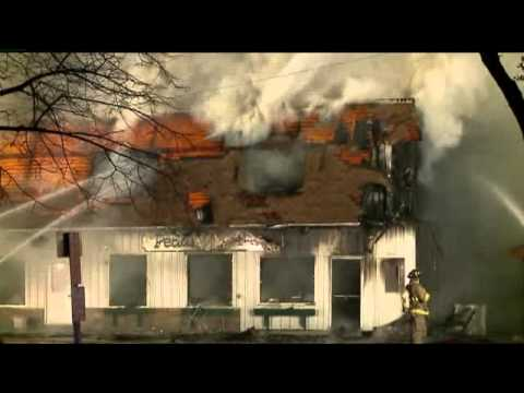 Massive building fire in East Troy