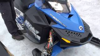 6. 2010 Ski-doo renegade Backcountry 600 e-tec Summit snowmobile